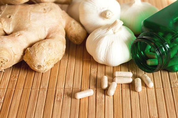 Effets anti-nutritionnels des médicaments et études d'intervention thérapeutiques en nutrithérapie